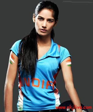 Poonam Pandey sports india  Poonam Pandey Strips if India Beats SriLanka in WC 2011 Final: Do We Care ??